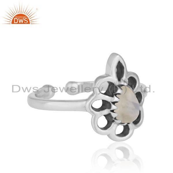 Designer of Designer floral ring in oxidized silver 925 and rainbow moonstone