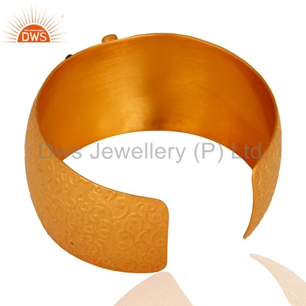 Wholesalers Handmade 18K Gold Plated Over Brass Green Hydro Gemstone Fashion Cuff Bracelets