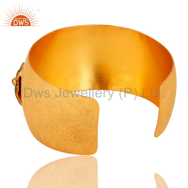 Wholesalers 18K Yellow Gold Over Brass Matte Finish Hammered Cuff Bracelet With Pink Glass &