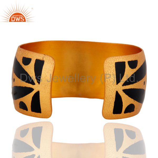 Wholesalers Hand-crafted White Cubic Zirconia Gold Plated Cuff Bracelet With Enamel Painted