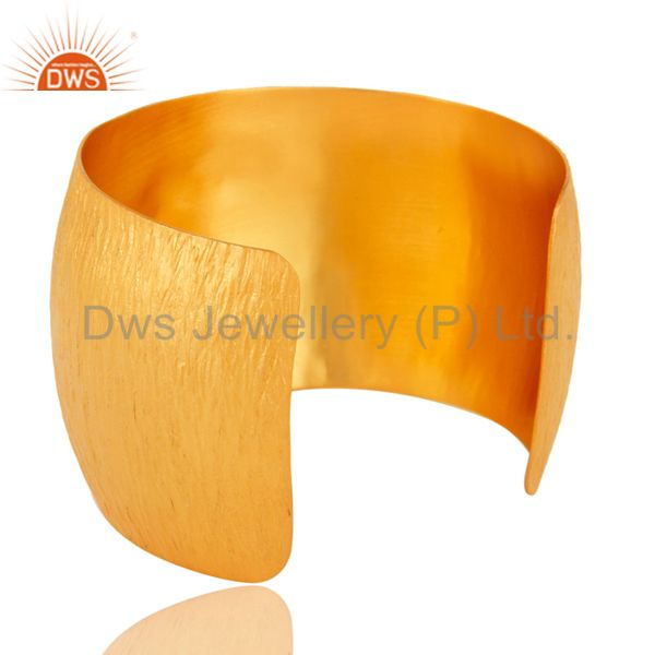 Wholesalers 22K Gold Plated Matte Finish Smoky Quartz And CZ Textured Wide Brass BANGLE