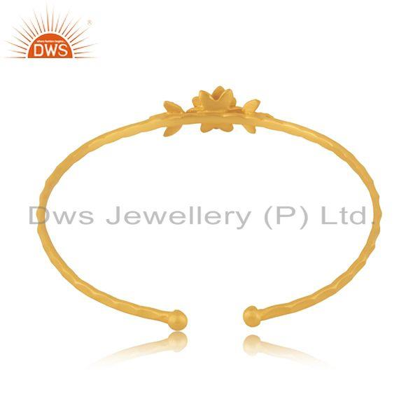 Wholesalers Handcrafted 18k Gold Plated Brass Fashion White Zircon Cuff Bangle Manufacturer