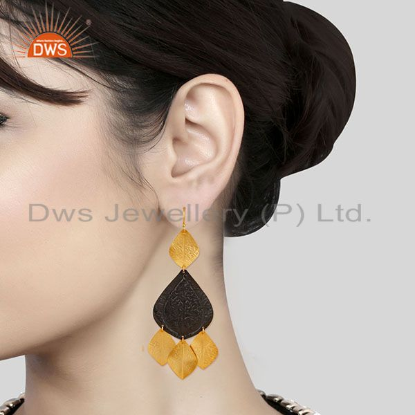 Wholesalers Oxidized And 22K Yellow Gold Plated Brass Fashion Chandelier Earrings