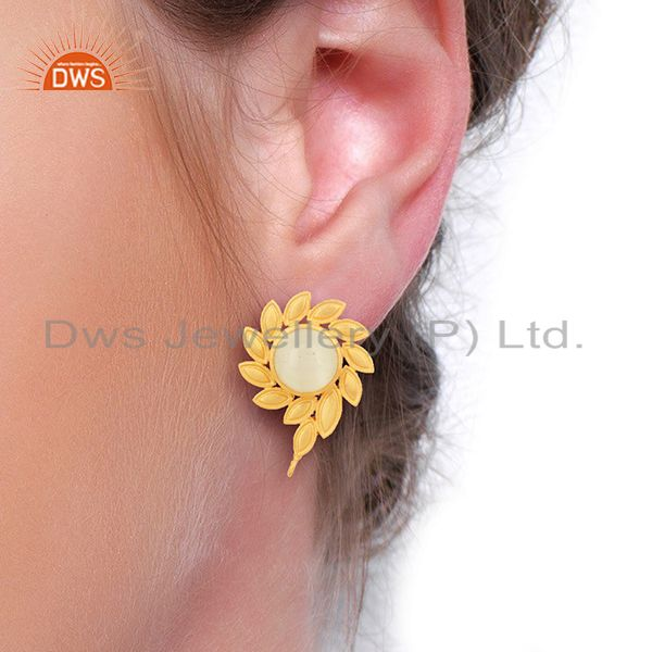 Wholesalers White Moonstone Stud 18K Yellow Gold Plated Brass Earrings Fashion Jewelry