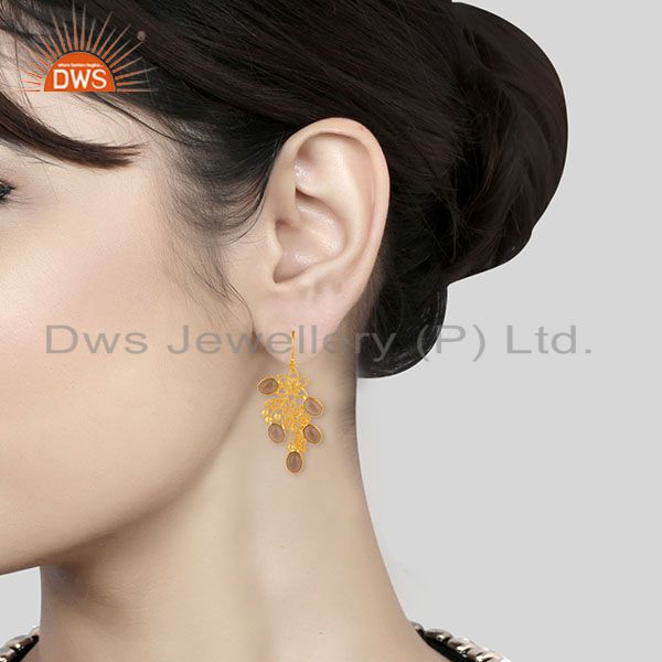 Wholesalers 14K Gold Plated Handmade Handmade Flower Design Smokey Topaz Bezel Brass Earring