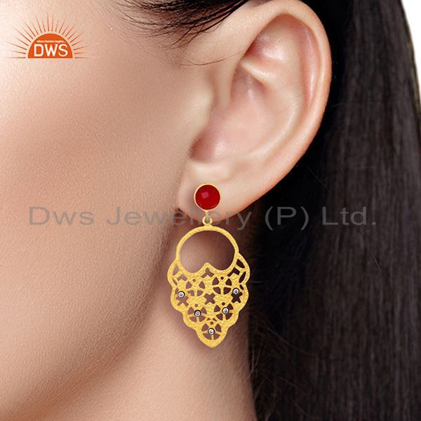 Wholesalers 22K Yellow Gold Plated Pink Corundum And CZ Hammered Fashion Dangle Earrings
