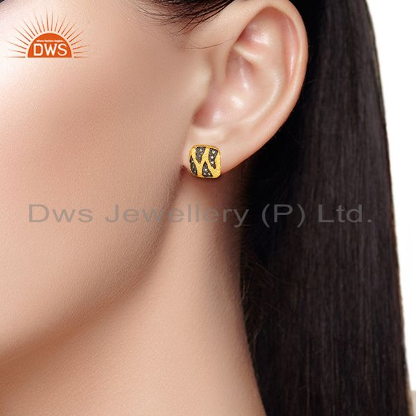 Wholesalers Two Tone Brass White Zircon Fashion Girls Stud Earrings Manufacturers