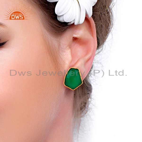 Wholesalers Green Onyx Unshape Bezel Set 925 Sterling Silver 14K Gold Plated Stud Earrings